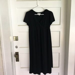 SUPER CUTE!!!! New stretchy black maternity dress